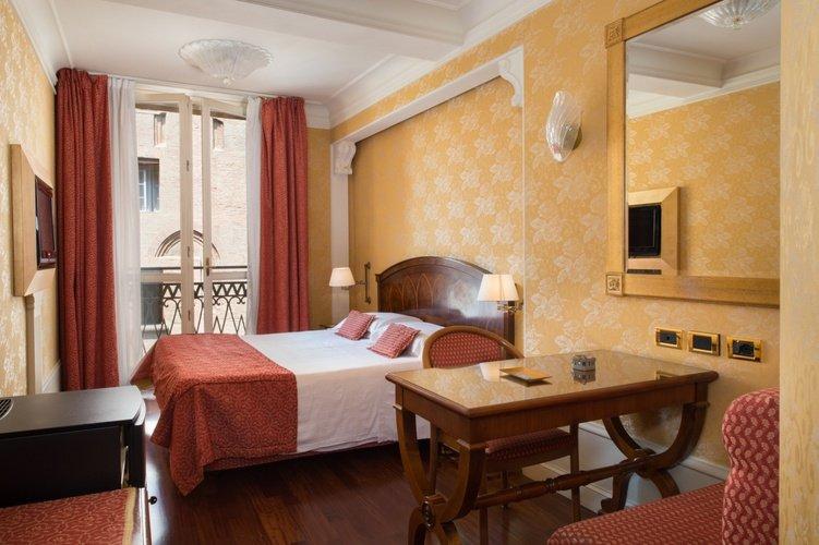 Chambre deluxe Art Hotel Orologio Bologne, Italie