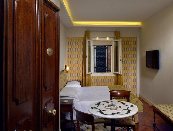 CHAMBRE INDIVIDUELLE Art Hotel Commercianti Bologne, Italie