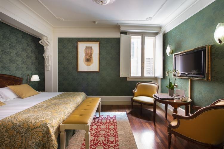 Chambre double  art hotel orologio bologne