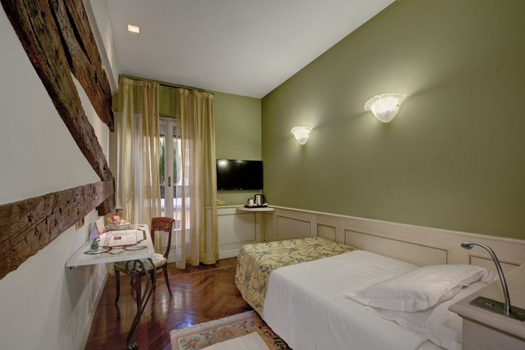 Chambre individuelle  art hotel commercianti bologne