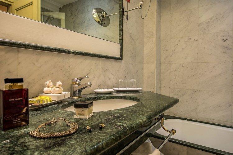 Suite  art hotel commercianti bologne