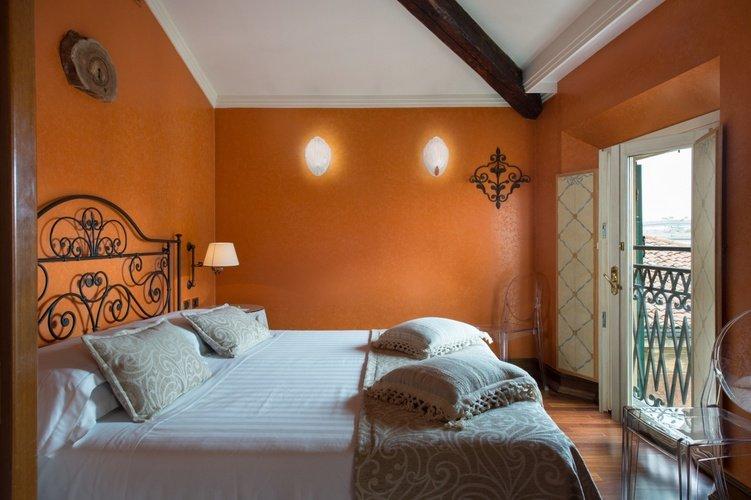 Suite  art hotel orologio bologne