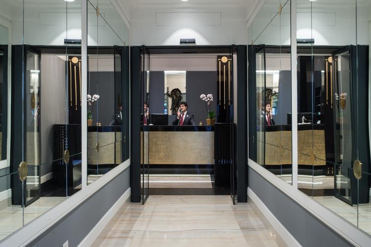 Accueil  art hotel orologio bologne