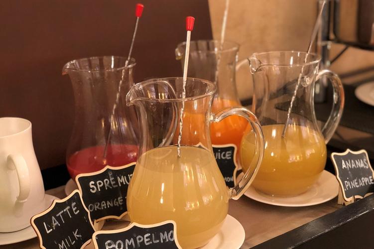 Petit-déjeuner buffet  art hotel novecento bologne