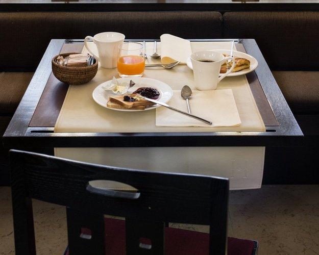 Déjeuner  art hotel novecento bologne, italie