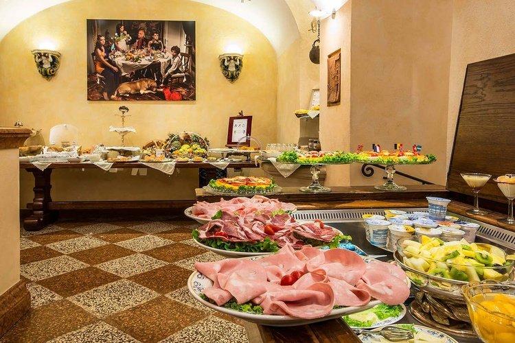 Petit-déjeuner buffet  art hotel commercianti bologne