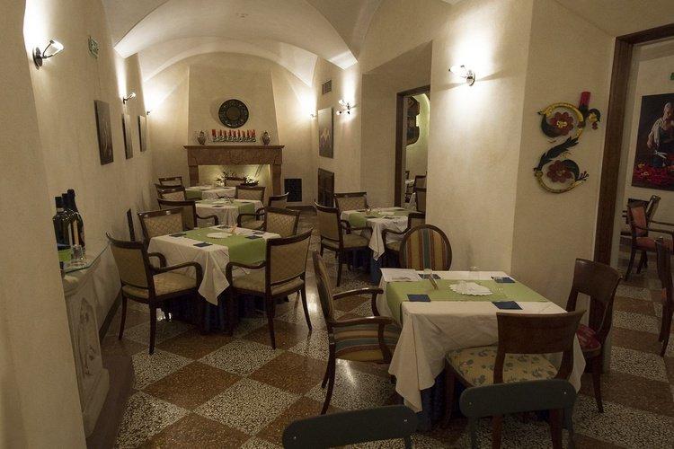 Restaurant buffet  art hotel commercianti bologne